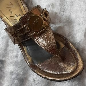 Marc Fisher Shoes - 3/$18🛍 Marc Fisher Metallic Thong Sandal Mules